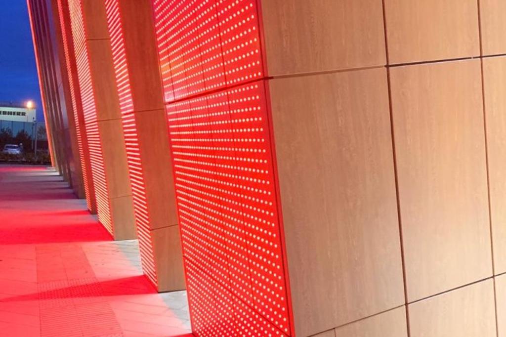 Световые фасадные панели ONLED