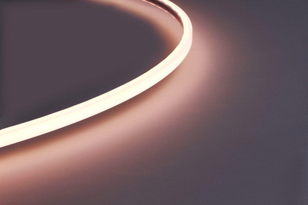 Гибкий линейный светильник leline